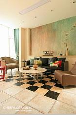 原木系沙发背景墙